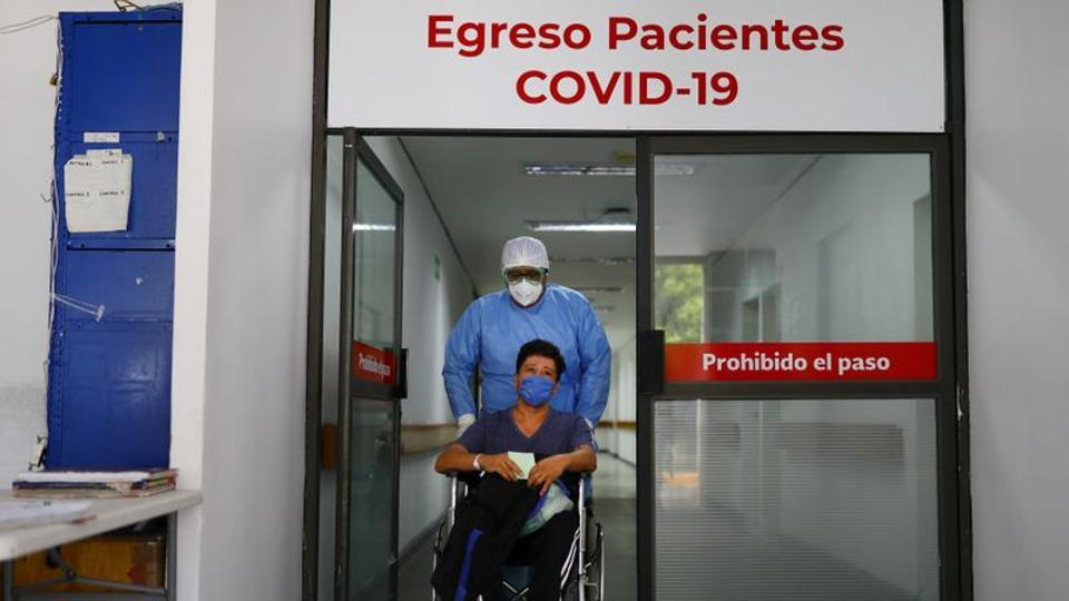A patient who recovered from the coronavirus disease (Covid-19) leaving from the Juarez Hospital to go to his house in Mexico City Mexico on July 27, 2020.