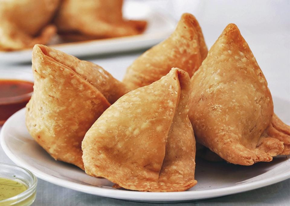 For strong and podgy samosa lovers, the Punjabi version is the best