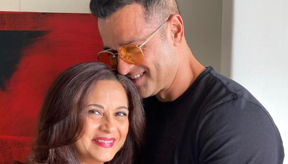 Rohit Roy and wife Manasi Joshi will be seen in Locked in Love.
