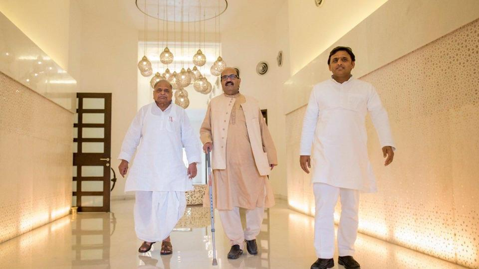 Amar's friendship with Mulayam Singh Yadav began in 1996 when the then Samajwadi Party national president attained prominence in national politics. Mulayam became the Union defence minister in 1996 and soon afterwards inducted Amar Singh (who was earlier in the Congress) into his party.