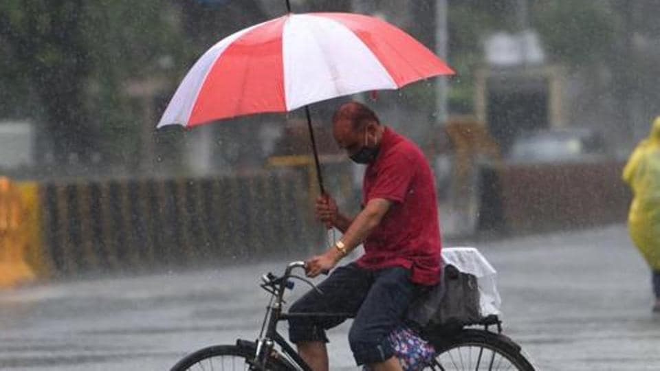 According to BMC, in the last 22 hours -- between 8 am on Monday and 6 am on Tuesday -- south Mumbai recorded 230 mm of rainfall, followed by western and eastern suburbs that received 162 mm on an average.