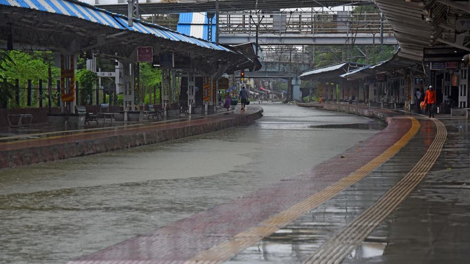 Mumbai, India - Aug. 4, 2020:Water logging at Chunabhatti railway station due to heavy rain in Mumbai, India, on Tuesday, August 4, 2020. (Photo by Vijayanand Gupta/Hindustan Times)