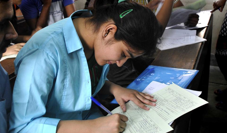 As Delhi University goes ahead with online mock tests, students rue that online open book examinations are not a viable solution.