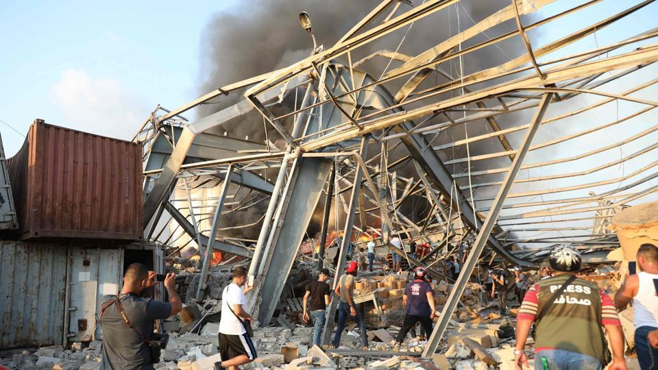A large explosion rocked the Lebanese capital Beirut. The blast, which rattled entire buildings and broke glass, was felt in several parts of the city.