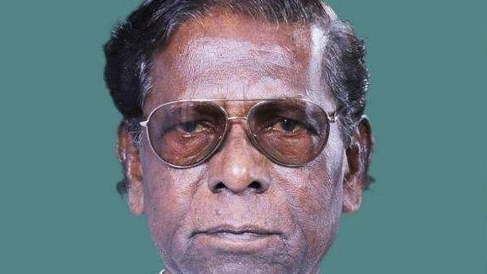 Born on July 1, 1942 at Bholakpur in Hyderabad, Yellaiah, a prominent Dalit leader of the Congress, began his political career as a follower of former chief minister Dr Marri Channa Reddy.