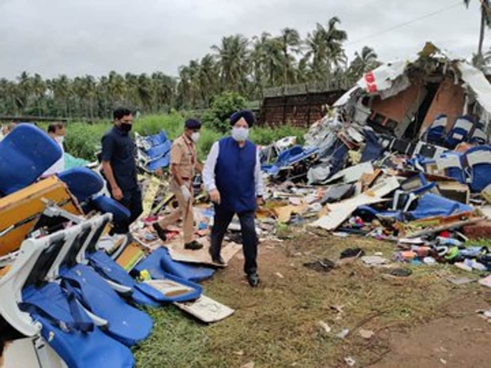 Union civil aviation minister Hardeep Singh Puri inspecting the site at Kozhikode airport where the Air India Express plane crashed on Aug 7, 2020.