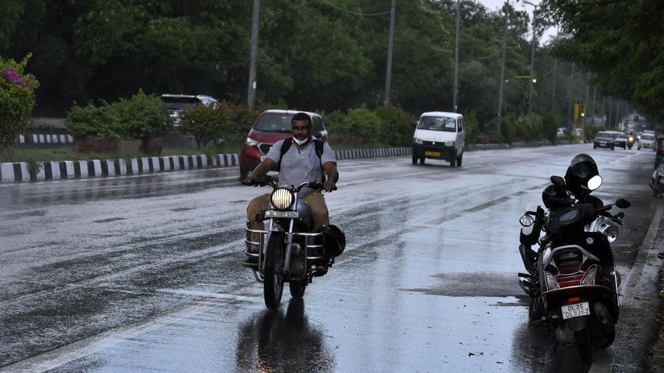 The IMD said light to moderate showers were reported from many places in south and south west Delhi.