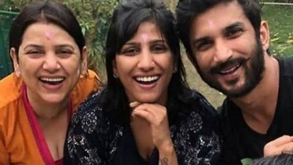 Sushant Singh Rajput with his sisters.