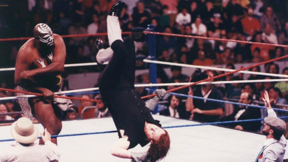 Kamala fights WWE legend The Undertaker.