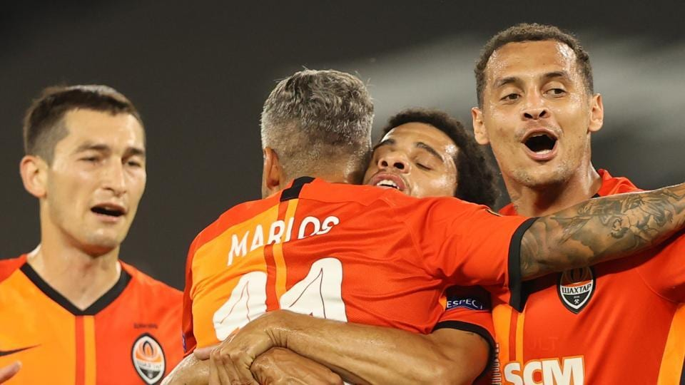 Shakhtar Donetsk's Taison celebrates scoring their second goal with teammates, as play resumes behind closed doors following the outbreak of the coronavirus disease (COVID-19)