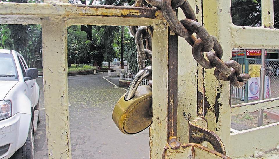 Sambhaji Garden on Jangali Maharaj road has been locked since the beginning of the lockdown.