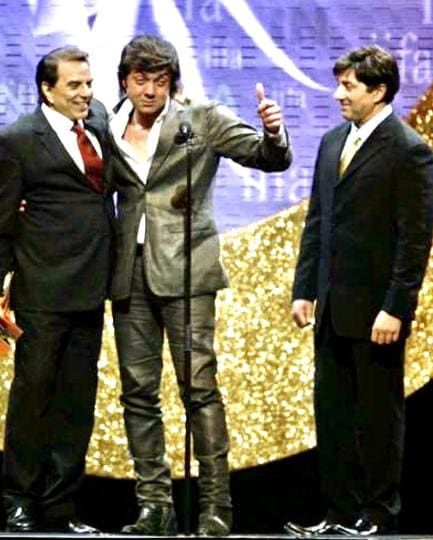 Dharmendra with his sons Bobby and Sunny Deol.