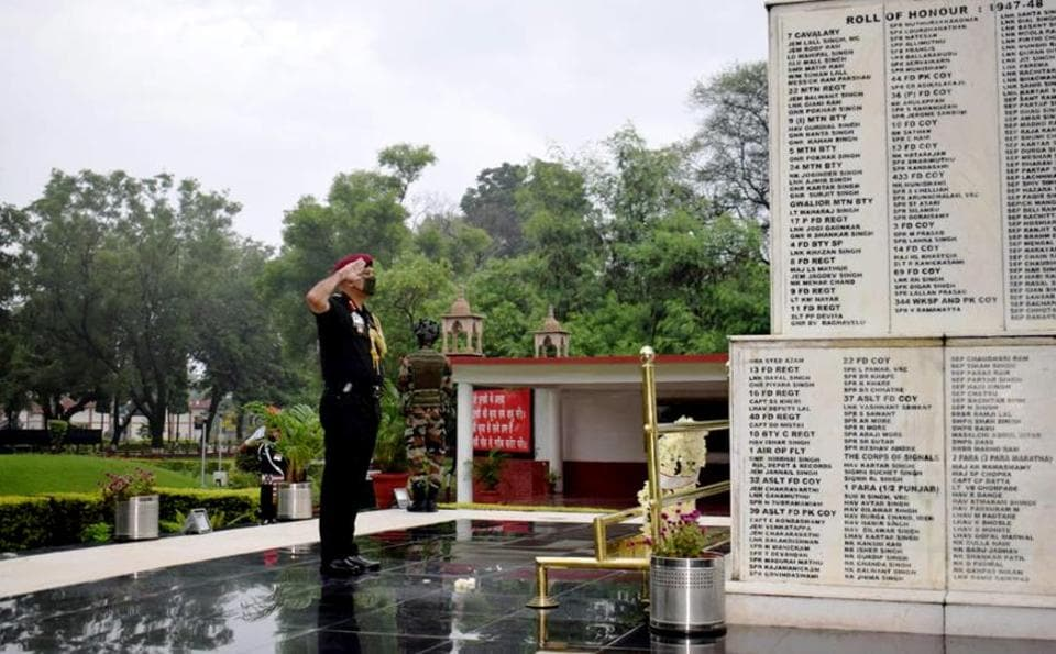 Lieutenant General Yogendra Dimri, who took over as the Chief of Staff,  Western Command, paying homage to martyrs at the 'Veer Smriti' in Chandimandir  on Thursday.