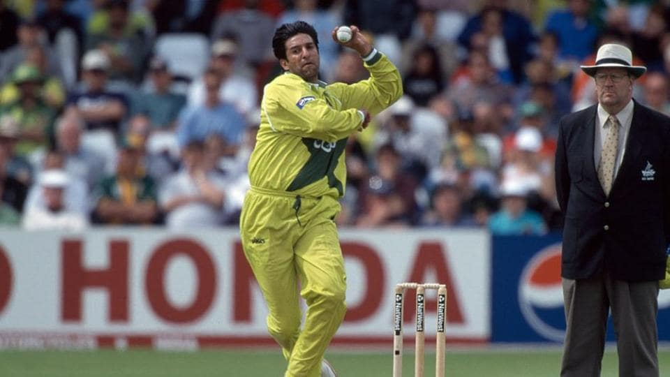 Wasim Akram bowling during the 1999 World Cup.