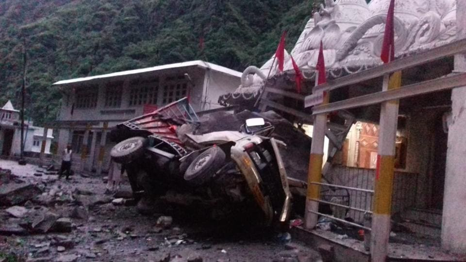 The landslide occurred at 5.20am on Friday when two men were on their way to Chandigarh in a mini truck carrying vegetables and had stopped to pay obeisance at Hanogi Temple in Kullu district.