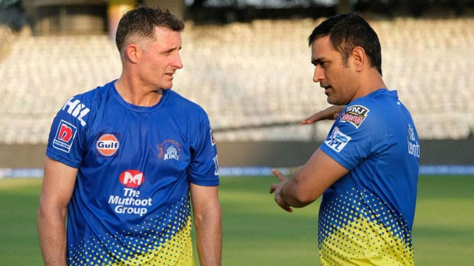 Michael Hussey in conversation with MSDhoni.
