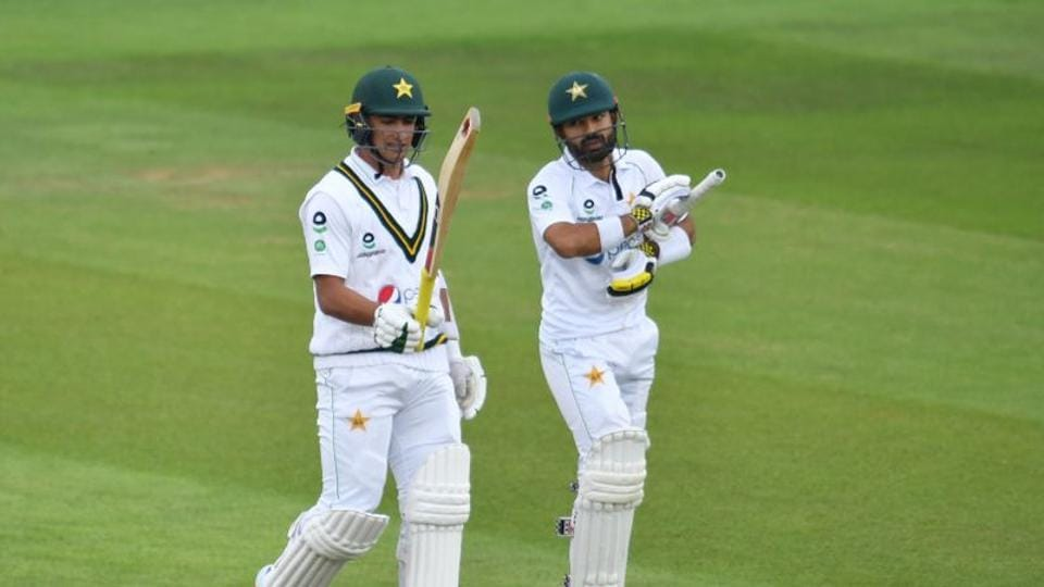 Pakistan's Mohammad Abbas and Mohammad Rizwan. (REUTERS)