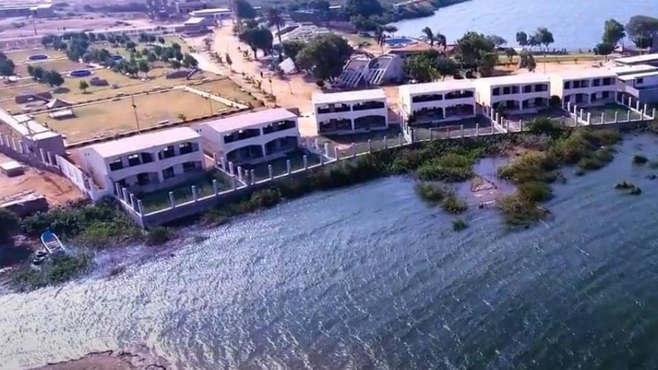 Ten of a family drown during picnic at lake resort in Pak