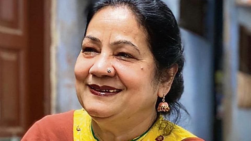 A long-time dweller of Old Delhi's Galli Hakimji Wali, Ms Zarrin writes poetry and also teaches Urdu literature.
