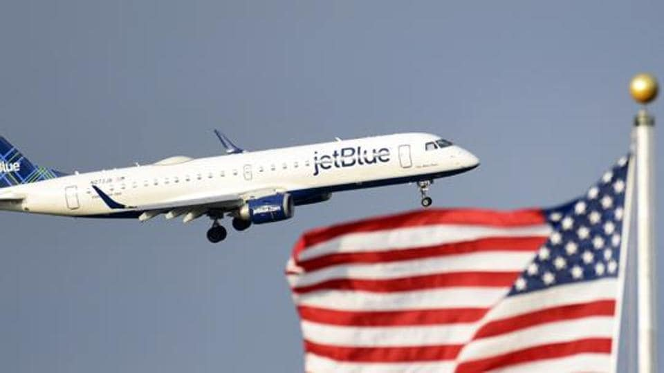 JetBlue Airways deplanes woman, her 6 children as 2-year-old refuses to wear mask
