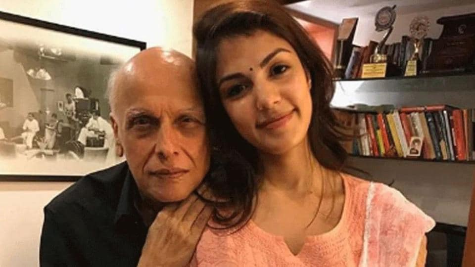 Rhea Chakraborty and Mahesh Bhatt chatted on the day of Sushant Singh Rajput's death.