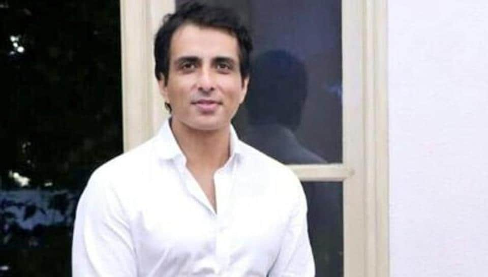 Sonu Sood has said that he will help students reach exam centres.