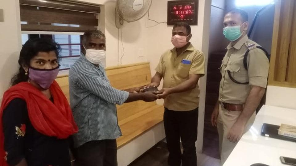 PK Sudhakaran, an employee of Naval Ship Repair Yard at Kochi found the wallet.