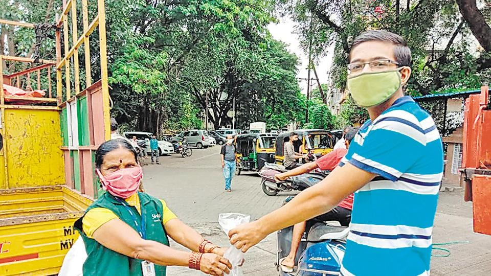 Pune Municipal Corporation volunteers and waste pickers at several spots across Pune have collected nirmalaya from devotees during the Ganesh festival.