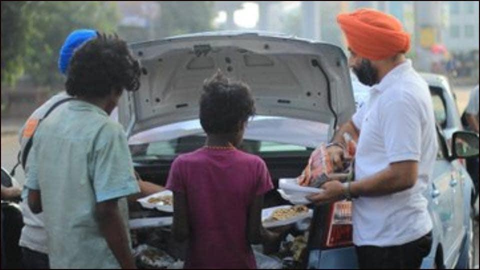 'Langar on Wheels' fight hunger in Delhi amid COVID-19