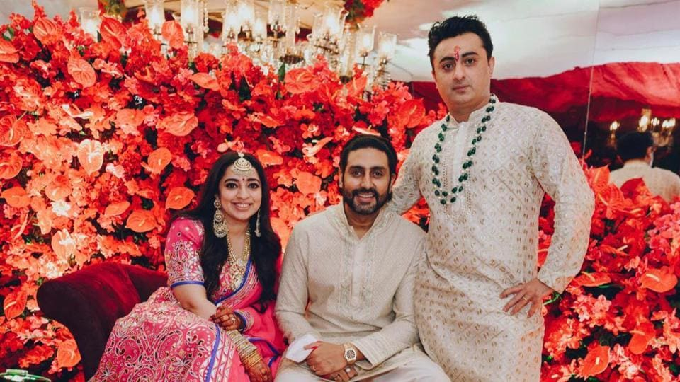 Abhishek Bachchan looked handsome in his white outfit.