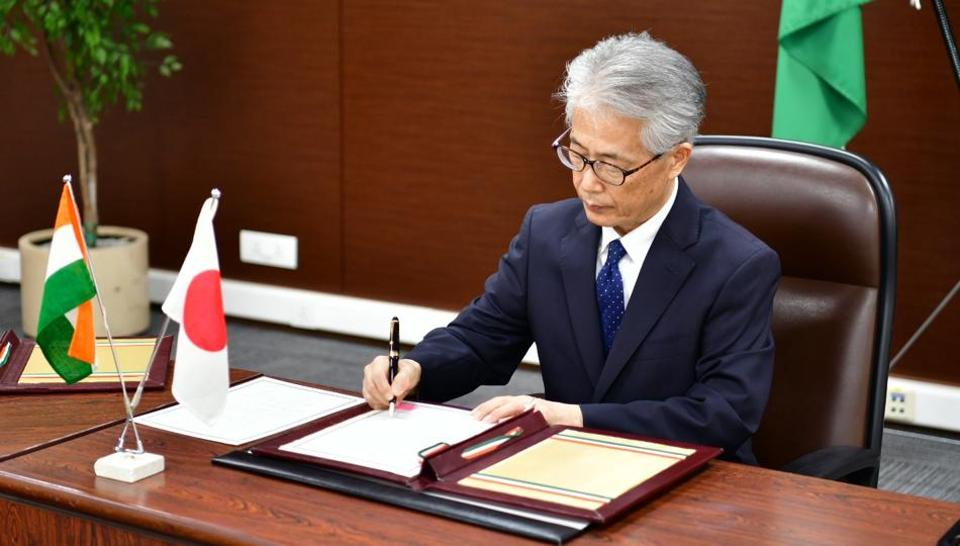 Japanese ambassador Satoshi Suzuki  (in pic)and CS Mohapatra, additional secretary in India's department of economic affairs exchanged notes regarding the provision of the yen loan for the response to the Covid-19 emergency.