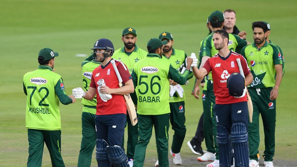 Cricket - Second T20 International - England v Pakistan - Emirates Old Trafford, Manchester, Britain - August 30, 2020 England's Dawid Malan and Lewis Gregory shake hands with Pakistan players after the match Mike Hewitt/Pool via REUTERS (REUTERS)