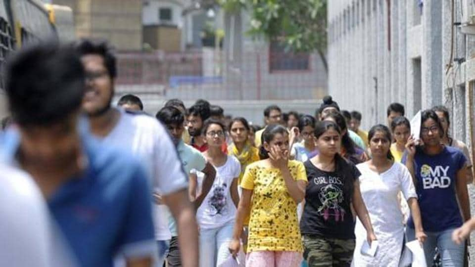 Candidates and parents in Uttar Pradesh expressed their concern on Monday regarding the holding of the JEE main exam amid the pandemic.