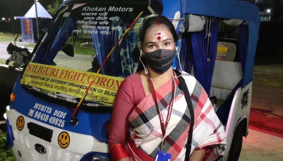 Munmun Sarkar  has been  ferrying  Covid-19 patients to hospitals and their homes for free.