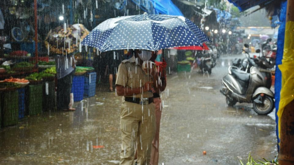 Widespread and heavy rainfall accompanied by thunderstorm and lightning is likely at many places over central, north-west and peninsular India.