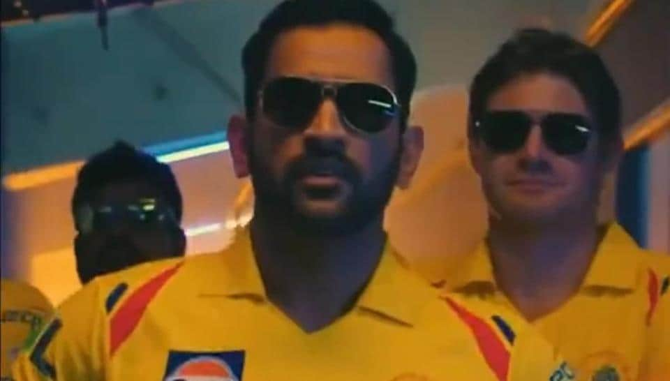 MS Dhoni dances, hits sixes in CSK's latest video with 'Vaathi Coming' song in the backdrop - Hindustan Times