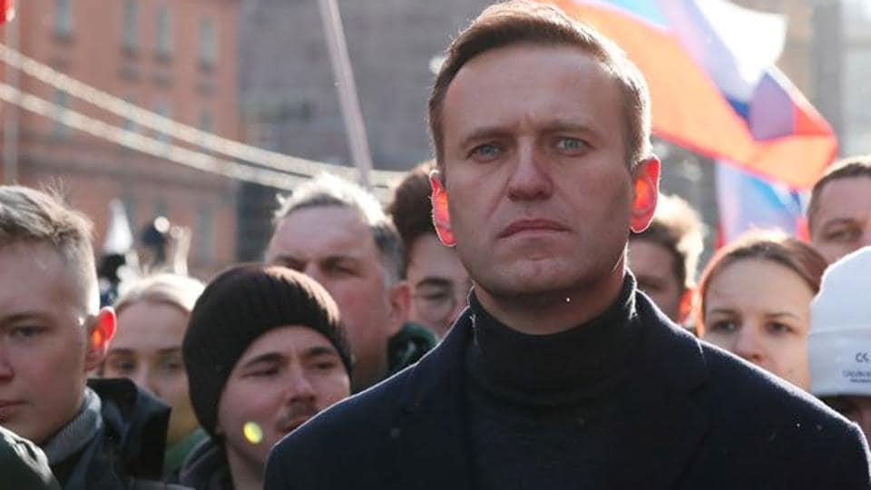 Germany raises pressure on Russia in Navalny poisoning probe