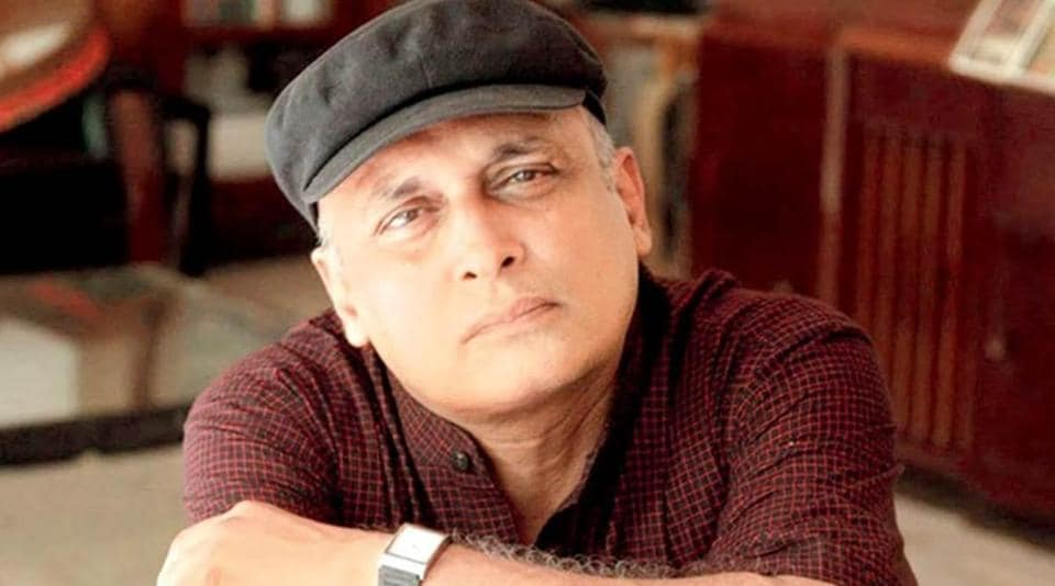 Piyush Mishra has spoken about how Bollywood treats outsiders.