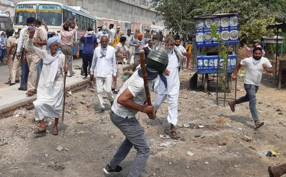 Police resorting to lathicharge on farmers at Pipli Chowk near Kurukshetra as they defied prohibitory orders to attend a protest rally called by the Bharatiya Kisan Union's Haryana unit at the Pipli  grain market on Thursday.