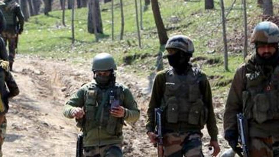 Cache of arms recovered in Kashmir's Baramulla, 2 JeM terrorists arrested in Kupwara   Latest News India - Hindustan Times