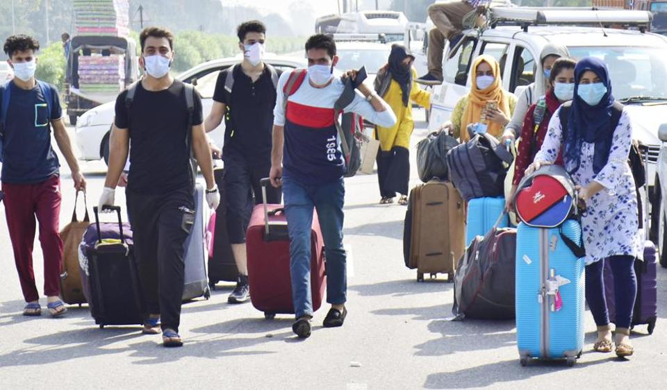 Session set to start, Kashmiris studying in Pak leave India via Attari
