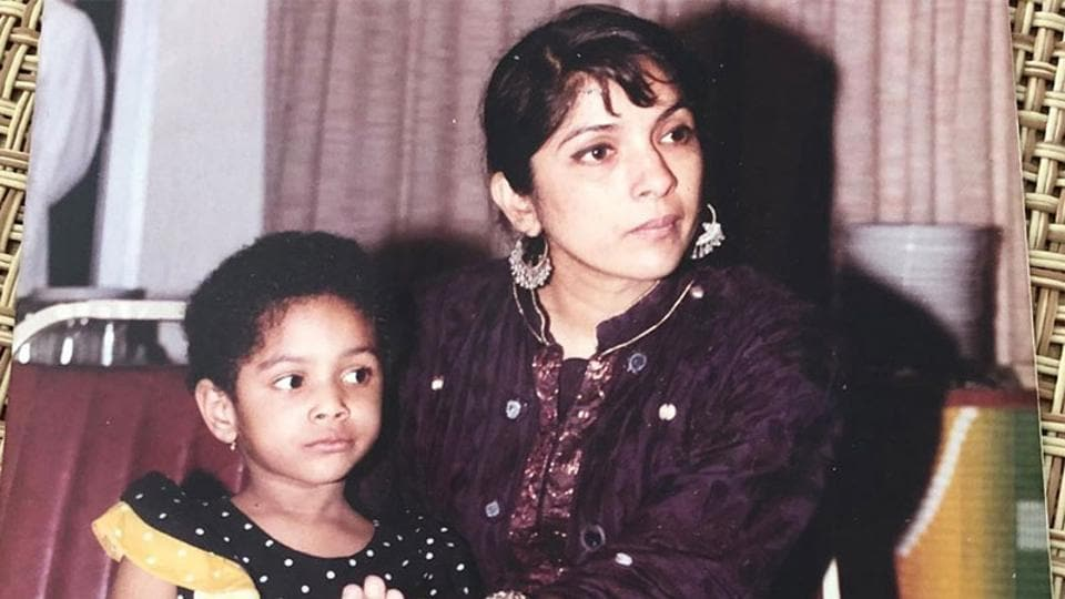 Neena Gupta with daughter Masaba Gupta in a throwback picture.