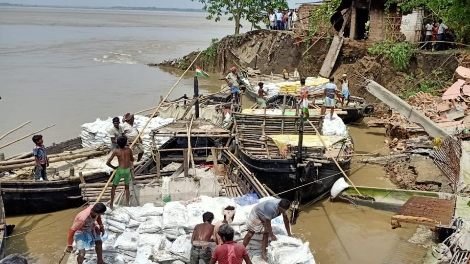 A view of the erosion caused by the Ganga in Murshidaad.