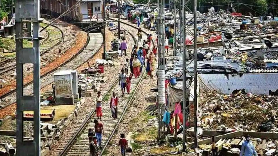 Slums along Delhi railway tracks won't be demolished till final decision: Centre to SC - Hindustan Times