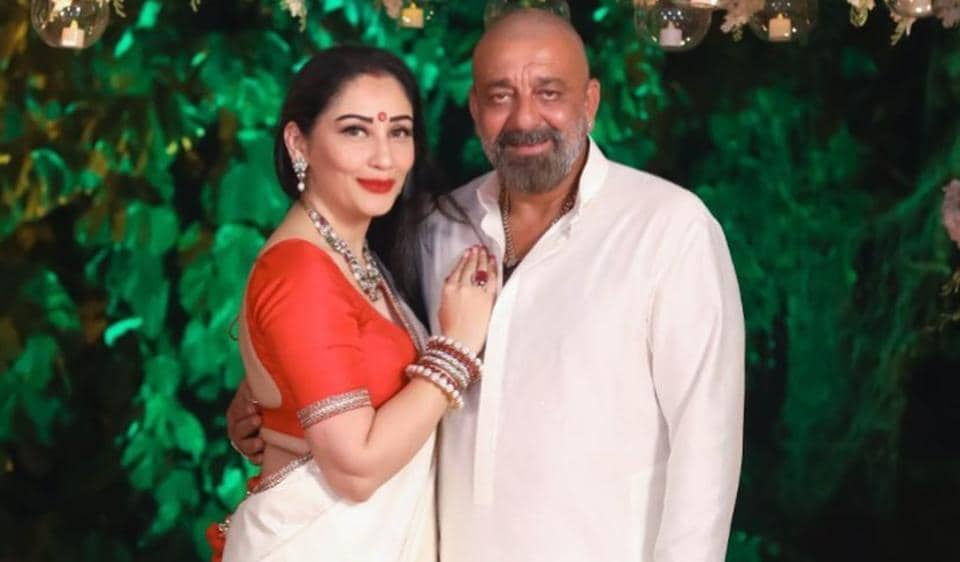 Sanjay Dutt's wife Maanayata shares an inspiring post on facing fears as he battles cancer: 'Face everything and rise' – bollywood