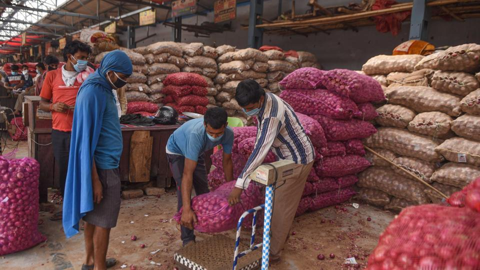 """A notification by the Directorate General of Foreign Trade (DGFT) on Monday said that exports of onions, which were so far """"free"""", now stood """"prohibited with immediate effect""""."""