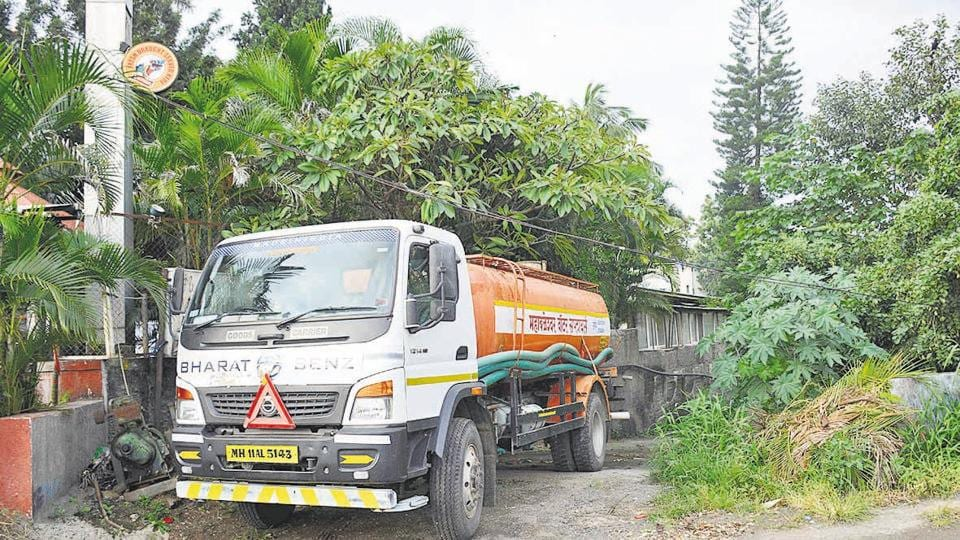 A water tanker filling up at Baner Road in Pune.