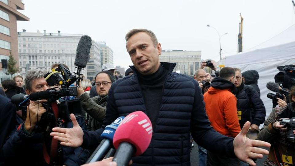 Navalny's allies say the use of the banned chemical weapon means that only the Russian state could be responsible.
