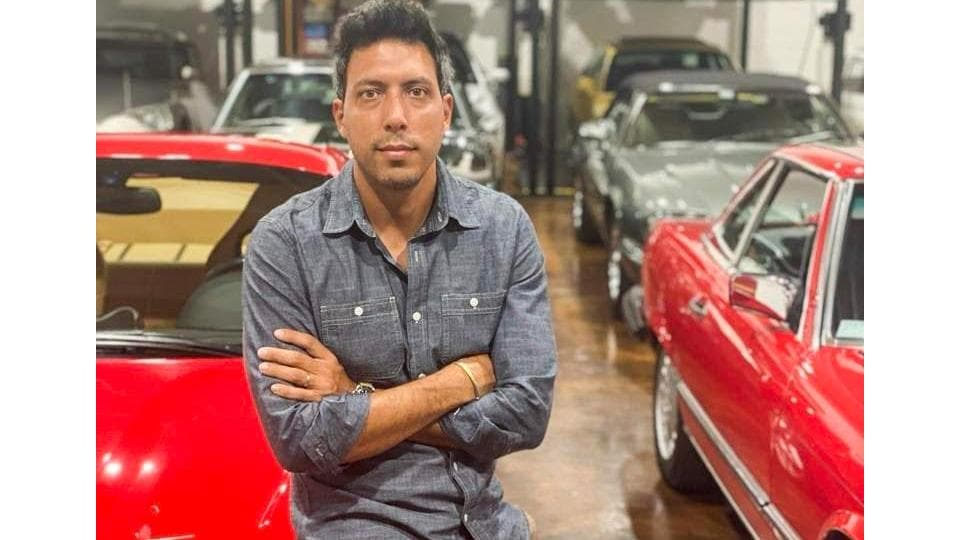 Till 2008, Gaston worked as a full-time dealer for his father's car business - after graduating from college he worked at an insurance company and dealt cars out of his one-car garage as a side hustle.