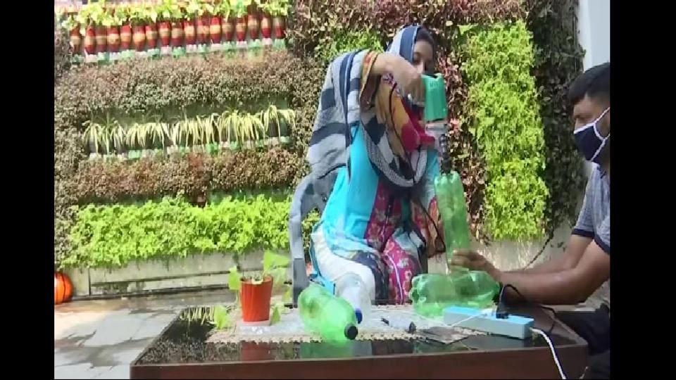 Environmentalist Dr. Nazia Rasool Latifi has begun to create vertical gardens using plastic bottles.